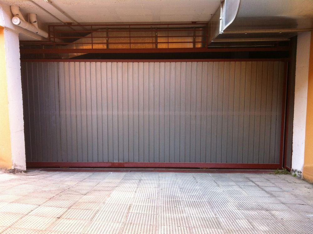 Puerta corredera garaje ar puertas alberto rodr guez for Puerta garaje metalica